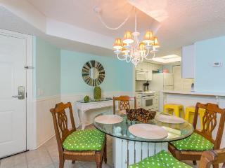Bright 2 bedroom Apartment in Saint Simons Island - Saint Simons Island vacation rentals