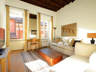 Trevi stylish apartment - Rome vacation rentals