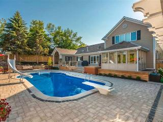 Gorgeous House with A/C and Shared Outdoor Pool - Bloomfield vacation rentals