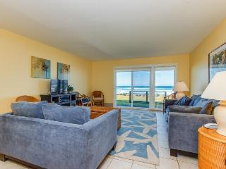 Oceanfront, pet-friendly condo w/sweeping beach views - Neskowin vacation rentals