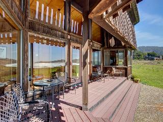 Oceanside home w/classic Sea Ranch architecture 1 dog ok! - Sea Ranch vacation rentals