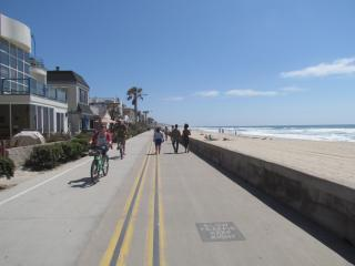 2 Bedroom Townhome 2 Mins. to the Beach - Pacific Beach vacation rentals