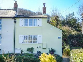 PRIMROSE COTTAGE woodburning stove, WiFi, countryside views, garden Ref 931618 - Whitwell vacation rentals