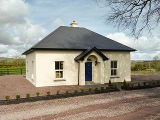 THE LODGE, detached, countryside location, WiFi, ground floor bedroom near Carrigadrohid, Macroom Ref 933597 - Macroom vacation rentals
