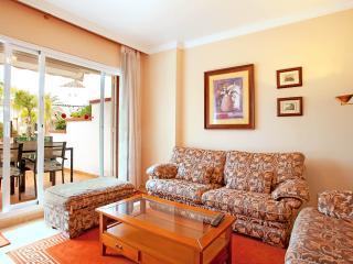 Poolside apartment in Elviria - Marbella vacation rentals