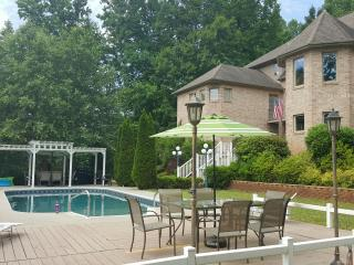 Secluded 7087 sq.f. Lakefront Castle, Pool, Dock - Wirtz vacation rentals