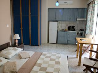 STUDIO KORONIS D1 - Kalamata vacation rentals