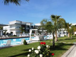 Inspirit Residence - Side vacation rentals