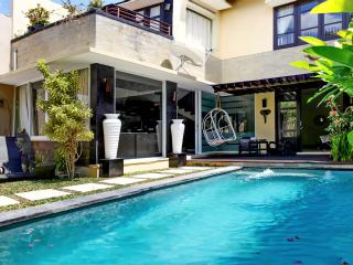 3BDR Ambience villa in Seminyak. - Seminyak vacation rentals