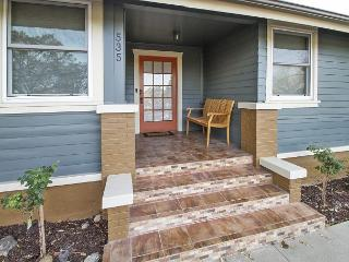 Updated Craftsman on Oak St. Downtown Paso Robles - Paso Robles vacation rentals