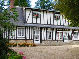 NEW! Traditional Normandy gite in charming village - Yvetot vacation rentals