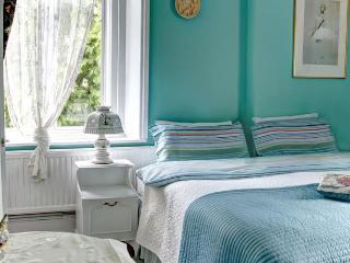 Juliette's B&B - Triple Room - London vacation rentals