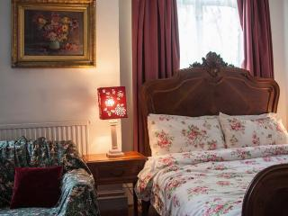 Juliette's B&B - Double Room - London vacation rentals