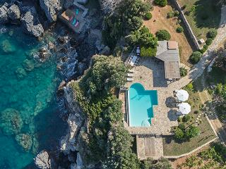 Gv - Samos Seafront Estate Villa III with stunning seaviews, on the seafront, a large pool and garde - Sámos vacation rentals