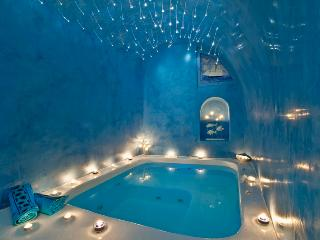 Santorini - My Blue Island VIlla has  jacuzzi and amazing view over the caldera. - Santorini vacation rentals