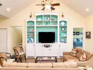 Airy Port A Home at Royal Sands with Pool and Boardwalk Beach Access - Port Aransas vacation rentals