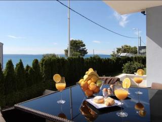 Beautiful Condo with Internet Access and A/C - Podstrana vacation rentals