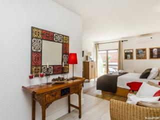Beautiful Condo with Internet Access and A/C - Cascais vacation rentals
