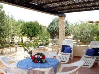 Bilocale a Rena Majore (Residence con piscina) - Santa Teresa di Gallura vacation rentals