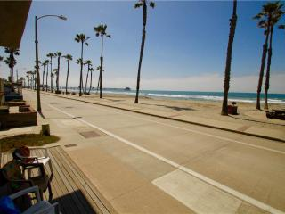910 N Strand Upper - Oceanside vacation rentals