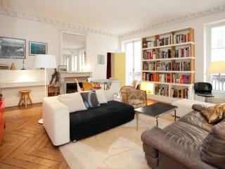 Spacious, 2 BR Loft-lively area-P10 - Paris vacation rentals