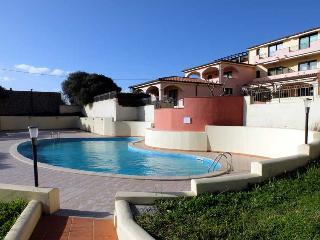 Splendido appartamento a Santa Teresa con piscina - Santa Teresa di Gallura vacation rentals