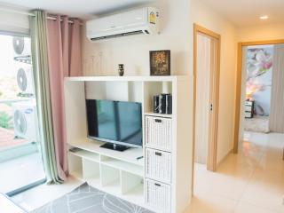 Lovely 2-bedroom apartments for 5 people - Pattaya vacation rentals