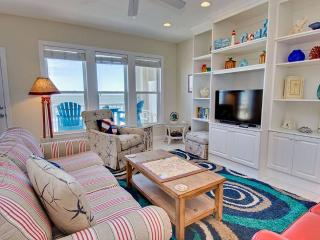 Beautiful Apartment with Internet Access and Hot Tub - Salter Path vacation rentals