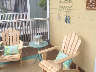 Barefoot Cottages B10-2BR-AVAIL8/6-13-RealJOY Fun Pass*FREETripIns4NEWFallBkgs*Screened in Porches - Port Saint Joe vacation rentals