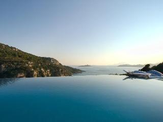 Celebrity villa 'Los Olivos' infinity pool under Kritina Castle - 7 island view - Kritinia vacation rentals