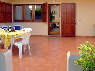 Appartamento a Rena Majore (Residence con piscina) - Santa Teresa di Gallura vacation rentals