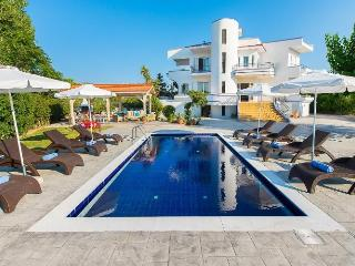 Next to sandy beach (50 m) Villa Giovanni with private pool, close to Faliraki - Faliraki vacation rentals