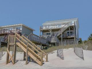 4 bedroom House with Hot Tub in Surf City - Surf City vacation rentals