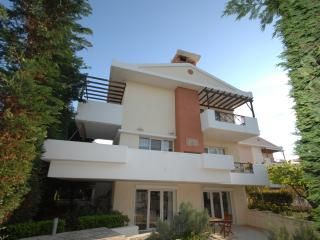 BEAUTIFUL VILLA TO RENT, 2km FROM THE CENTER OF CHIOS - Chios Town vacation rentals