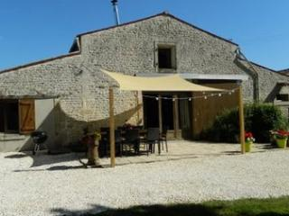 High Quality Family Friendly Gite with Heated Pool - Le Langon vacation rentals