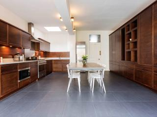 Veeve - Crouch Trend - London vacation rentals