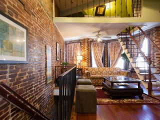 Lovely Row Home in Perfect Location+ Private Deck - Washington DC vacation rentals