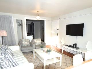 Manhattan REAL NYC-east vill /3 bedroom sleeps 6+2 - New York City vacation rentals