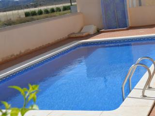 Lovely 2 bedroom Condo in Los Nietos - Los Nietos vacation rentals