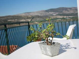 Charming suite with a seaview - Trogir vacation rentals