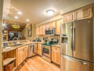 Comfortable 3 bedroom House in Steamboat Springs with Shared Outdoor Pool - Steamboat Springs vacation rentals