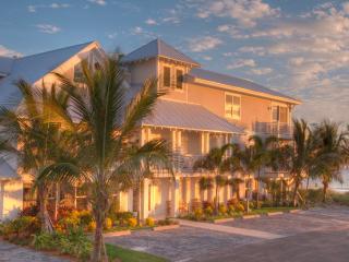 2-BR Luxury Beachfront Condo on Anna Maria Island - Holmes Beach vacation rentals