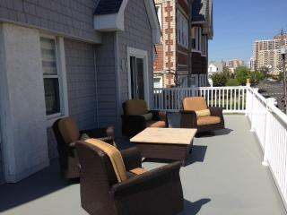 Beautiful Shore Rental - 1 Block From Beach - Ventnor City vacation rentals