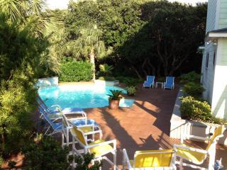 PERFECT MOMENTS~Stunning home/pool/elevator - Emerald Isle vacation rentals