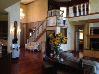 Gorgeous House with Satellite Or Cable TV and Corporate Bookings Allowed - Bay Harbor vacation rentals