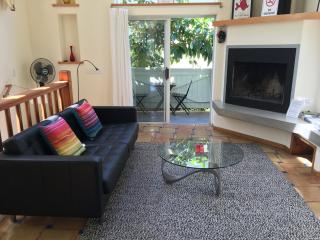 Spacious Venice Beach Apartment + Bicycles! - Los Angeles vacation rentals