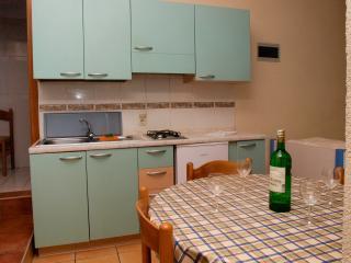 TH04235 Apartments Šentić / Studio S5 - Postira vacation rentals
