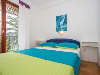 TH03447 Apartments Nevena / Double Room S2 - Tucepi vacation rentals