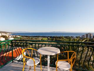TH03447 Apartments Nevena / Three Bedrooms A1 - Tucepi vacation rentals
