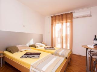 TH01283 Apartments Tanfara / A2 / One Bedroom - Brodarica vacation rentals